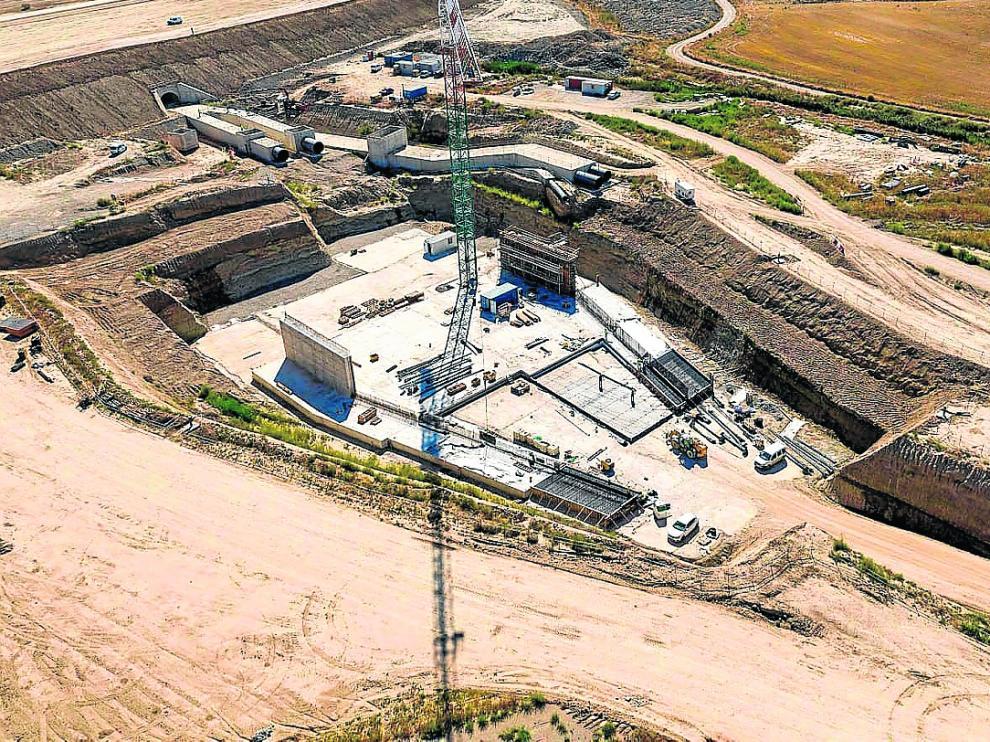 Imagen de archivo de las obras de construcción del embalse de Almudévar.