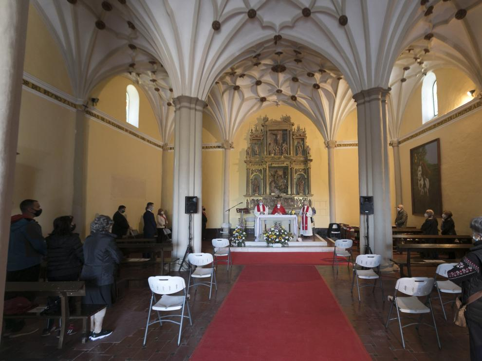 La eucaristía se ha celebrado con aforo limitado.
