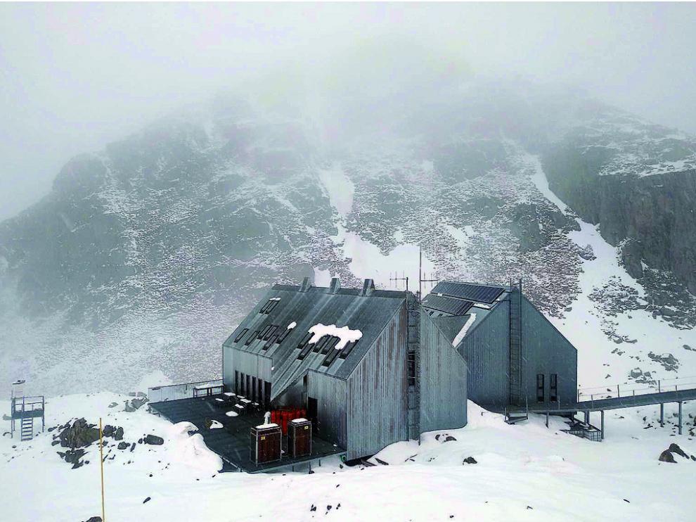 Nieve acumulada en los alrededores del refugio de Cap de Llauset, durante la jornada de ayer.