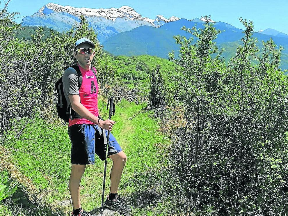 Sergio Cazcarro, en la selva de Yosa, en Sobremonte, dentro del municipio de Biescas.