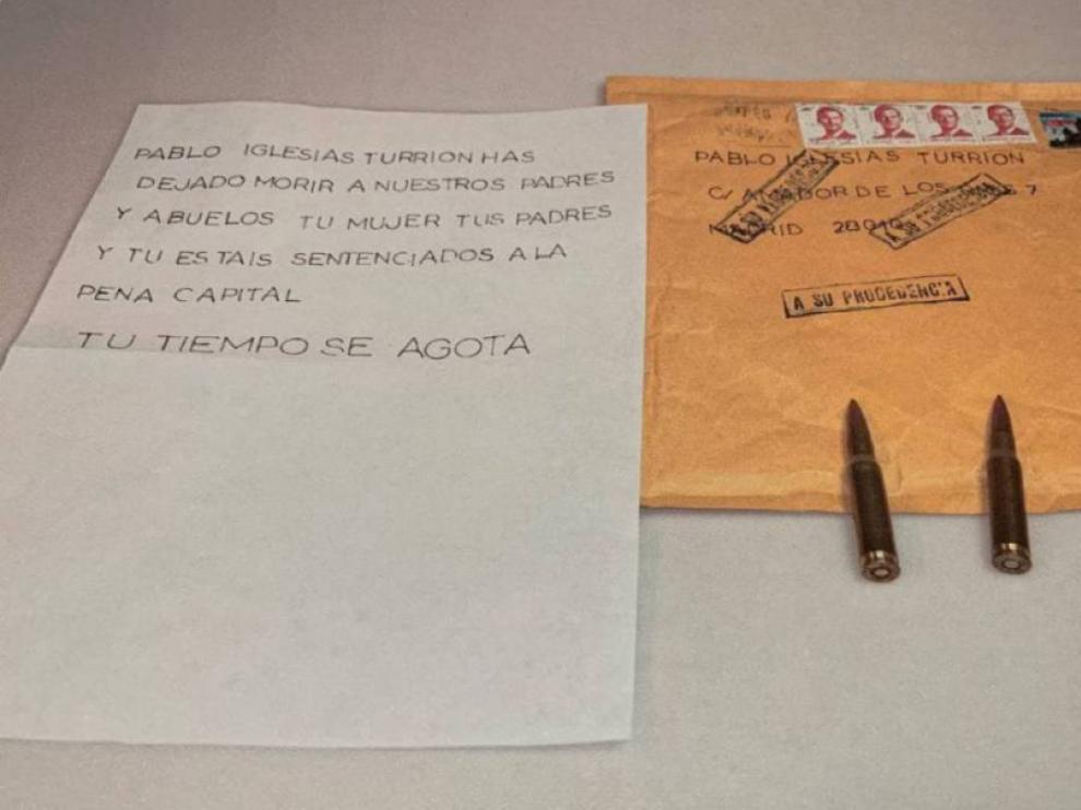 Contenido del sobre que recibió Pablo Iglesias con una nota y cuatro balas