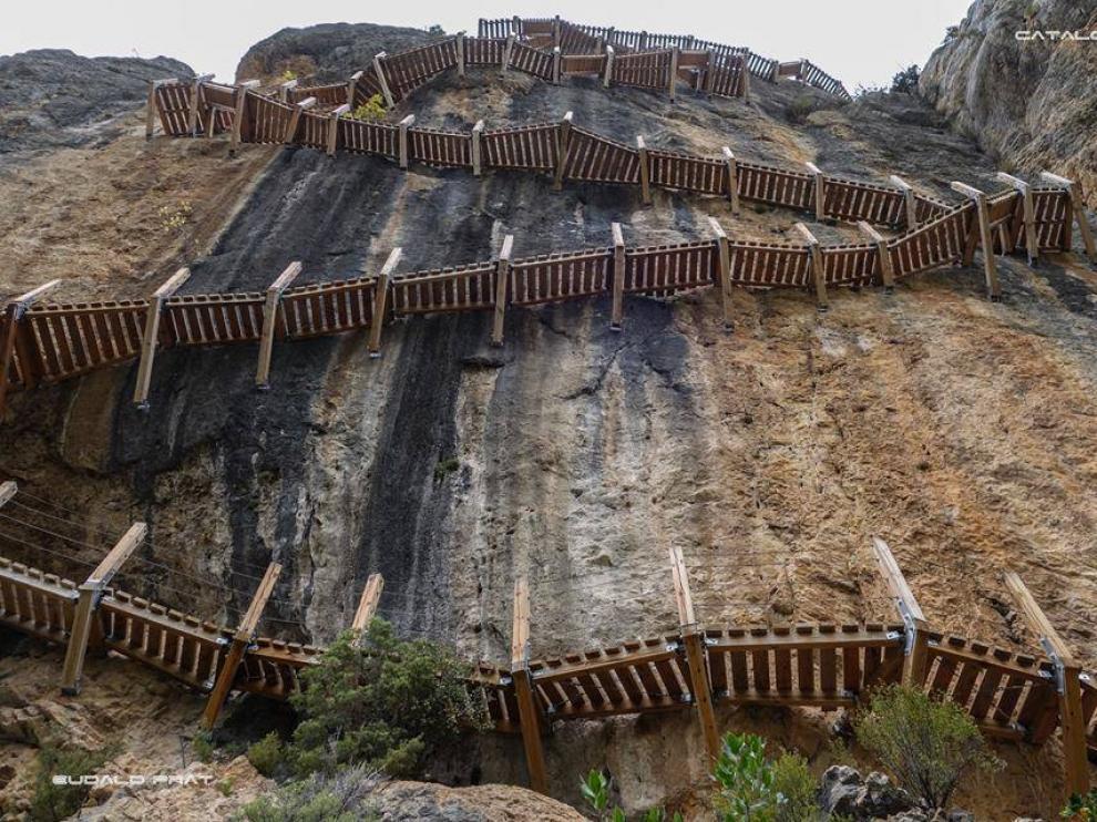 Imagen de las pasarelas de Montfalcó