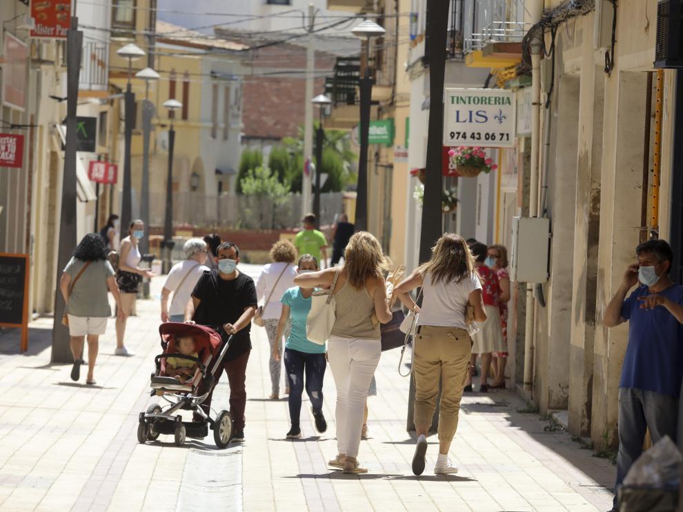 Ambiente calle Binefar / 23-6-2020 / Foto Rafael Gobantes [[[DDA FOTOGRAFOS]]][[[DDAARCHIVO]]]