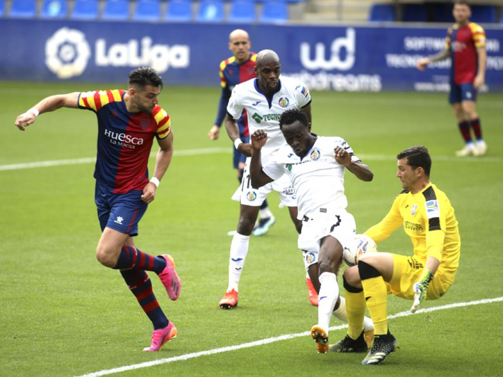 El Huesca sufrió ante el Getafe su tercera derrota consecutiva.