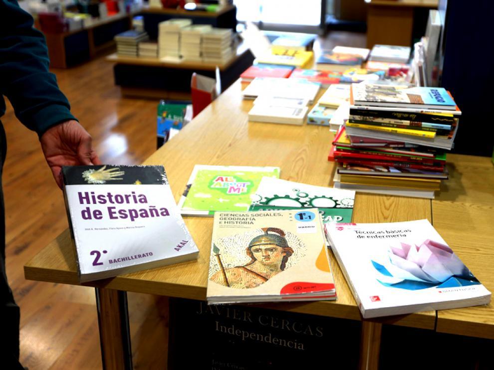 Los libros de texto son uno de los puntos fuertes de ingresos en las librerías.