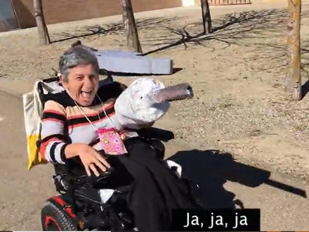 Ángela está dispuesta a poner la vacuna a todos sus compañeros de Aspace Huesca.
