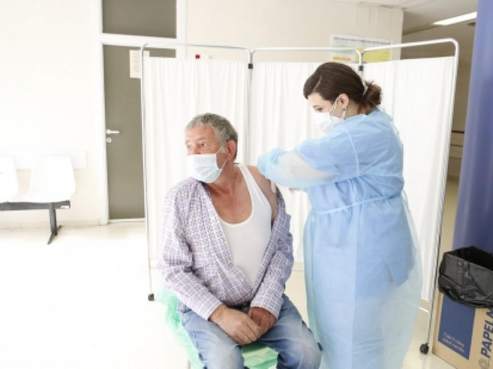 Abierta la vacunación para los que cumplen 66 y 67 años en 2021