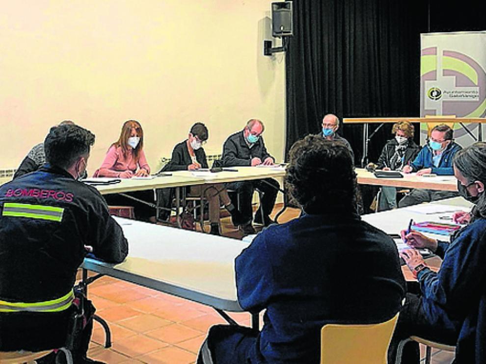 Reunión preparatoria del simulacro de emergencia que tendrá lugar en junio.
