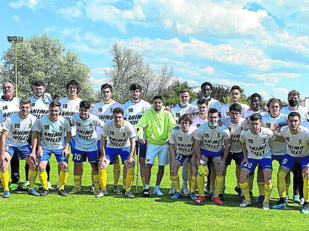 Los jugadores del Robres mostraron su apoyo a su compañero Willy, lesionado.
