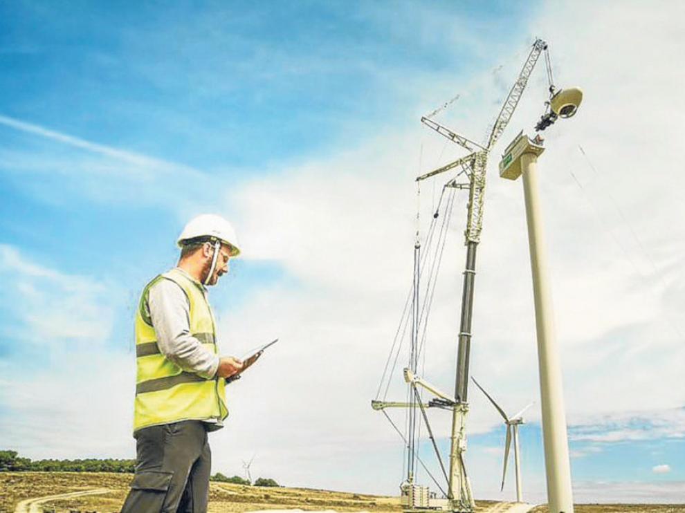 Trabajos de construcción de un parque eólico de Endesa en Aragón.