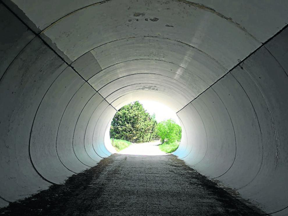 El túnel luce renovado y sin graffitis