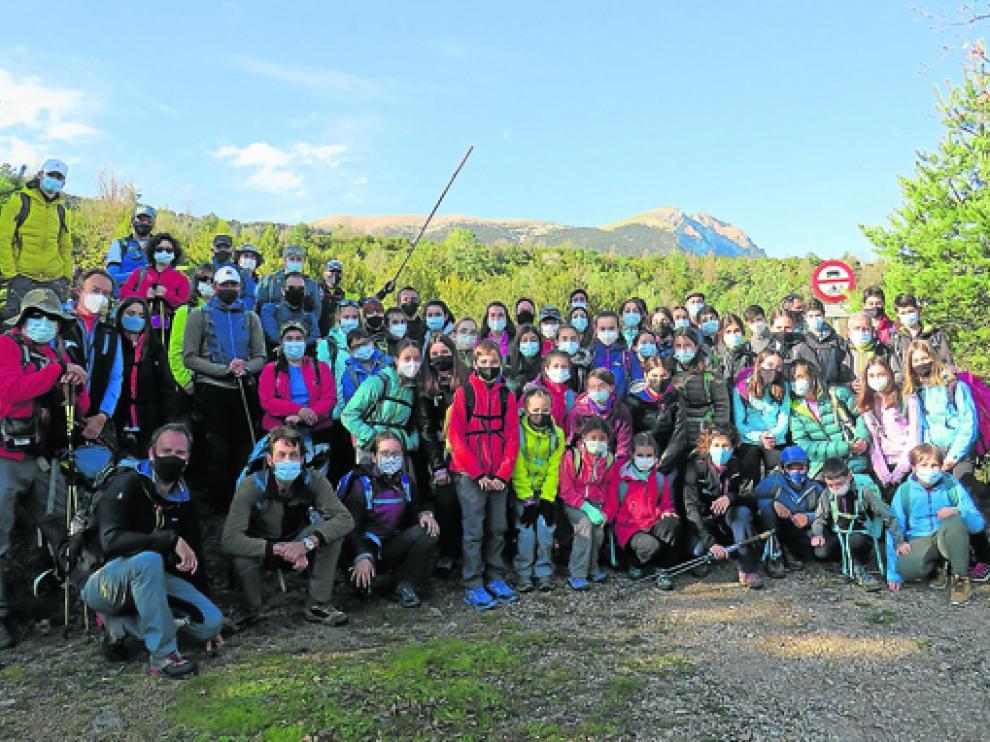 Foto del numeroso grupo que realizó la excursión.