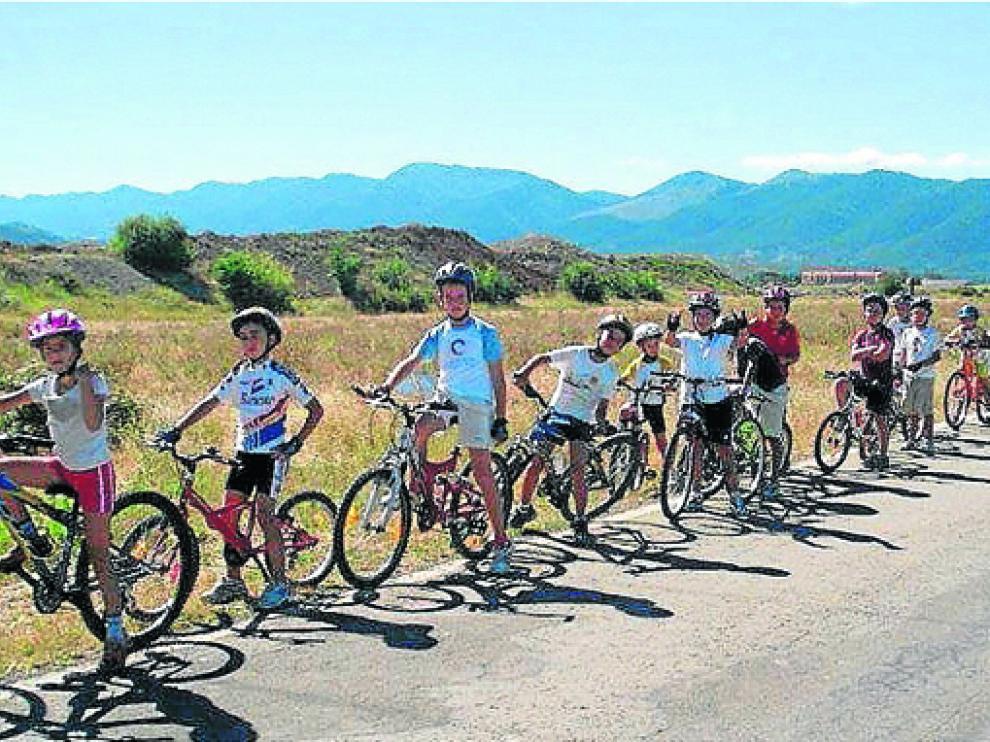 Imagen de la actividad Aula en Bici de Sabiñánigo en una edición anterior.