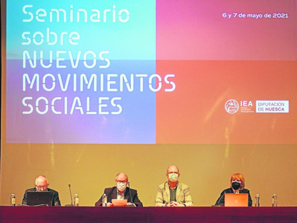 Los sociólogos Ignasi Brunet y José David Moral reflexionan sobre el sindicalismo en el seminario del IEA.