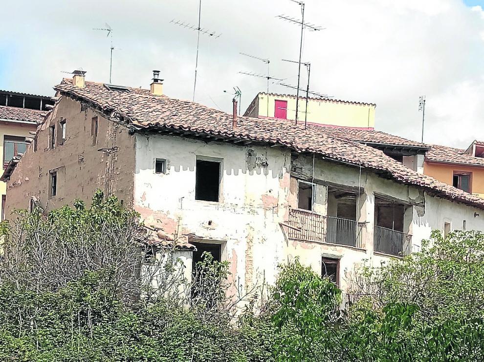 """El barrio de San Joaquín, en especial, pierde un """"caserón"""" de estilo característico."""