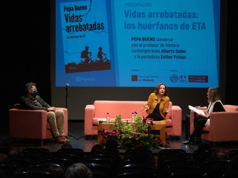 Alberto Sabio, Pepa Bueno y Esther Puisac conversaron sobre el libro