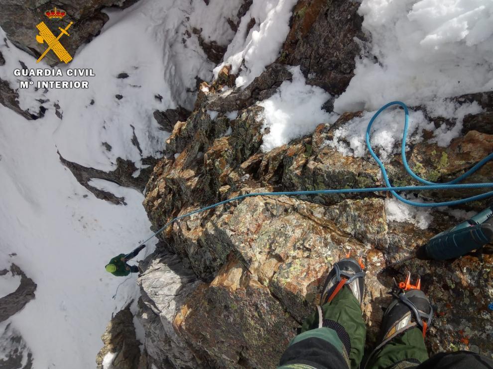 Rescate el sábado de un alpinista y su perro en el Pico de los Infiernos