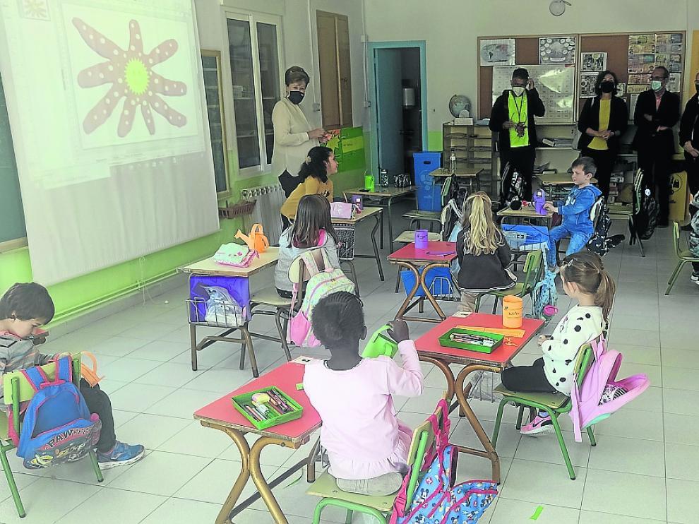 Visita a las obras en el aula de Azanuy, del CRA Estadilla-Fonz.