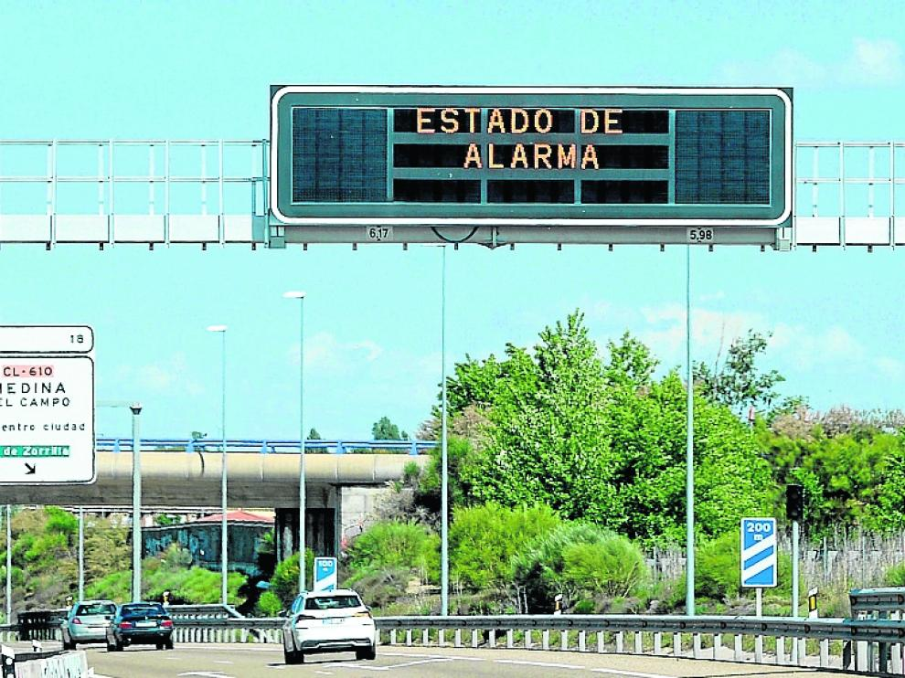 Vista de un cartel informativo ayer en Valladolid a pocas horas de que finalizara el estado de alarma.
