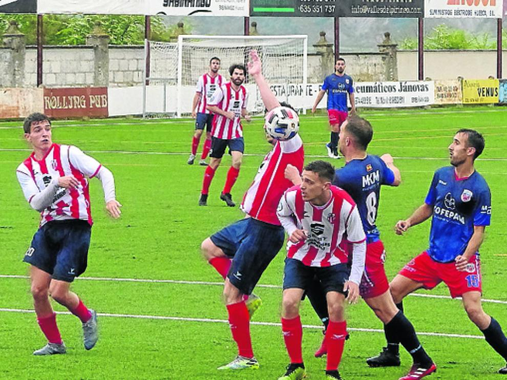 Sabiñánigo y Atlético Monzón protagonizaron un emocionante encuentro.