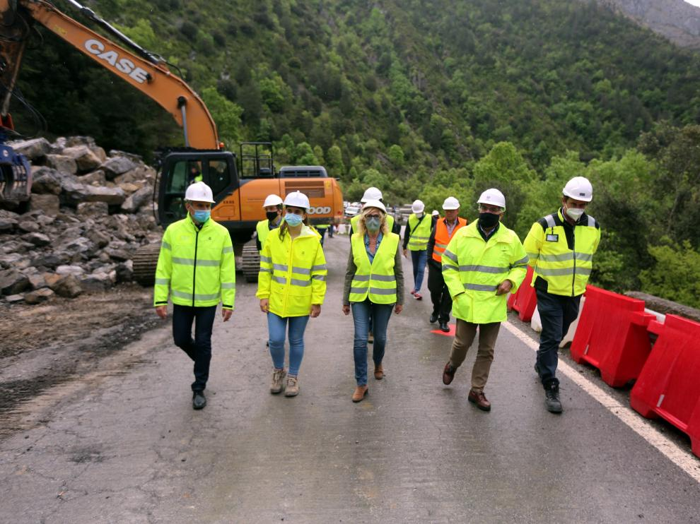 desprendimiento carretera cortada en campo n 260 Campo (pk. 404,150 de la N-260)Rueda de prensa sobre las obras de la N-260 11 - 5 21 foto pablo segura ..[[[DDA FOTOGRAFOS]]]