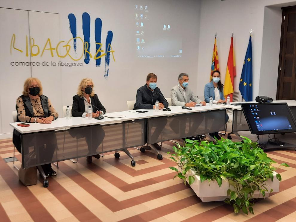 Reunión en la sede de la Comarca de la Ribagorza en Graus.