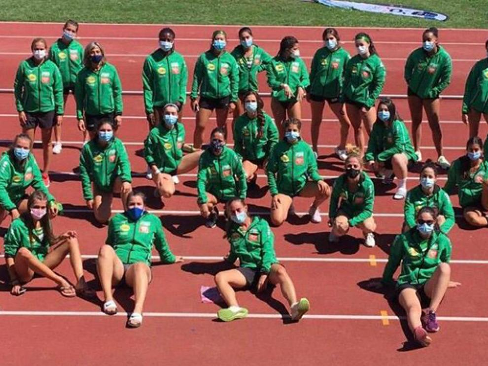 Parte del equipo femenino de Intec-Zoiti, el año pasado en Cáceres.