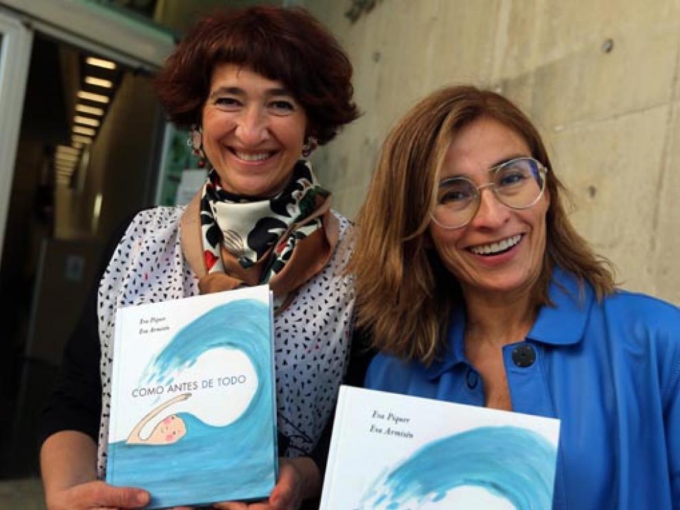 Eva Armisén y Eva Piquer, en Huesca.