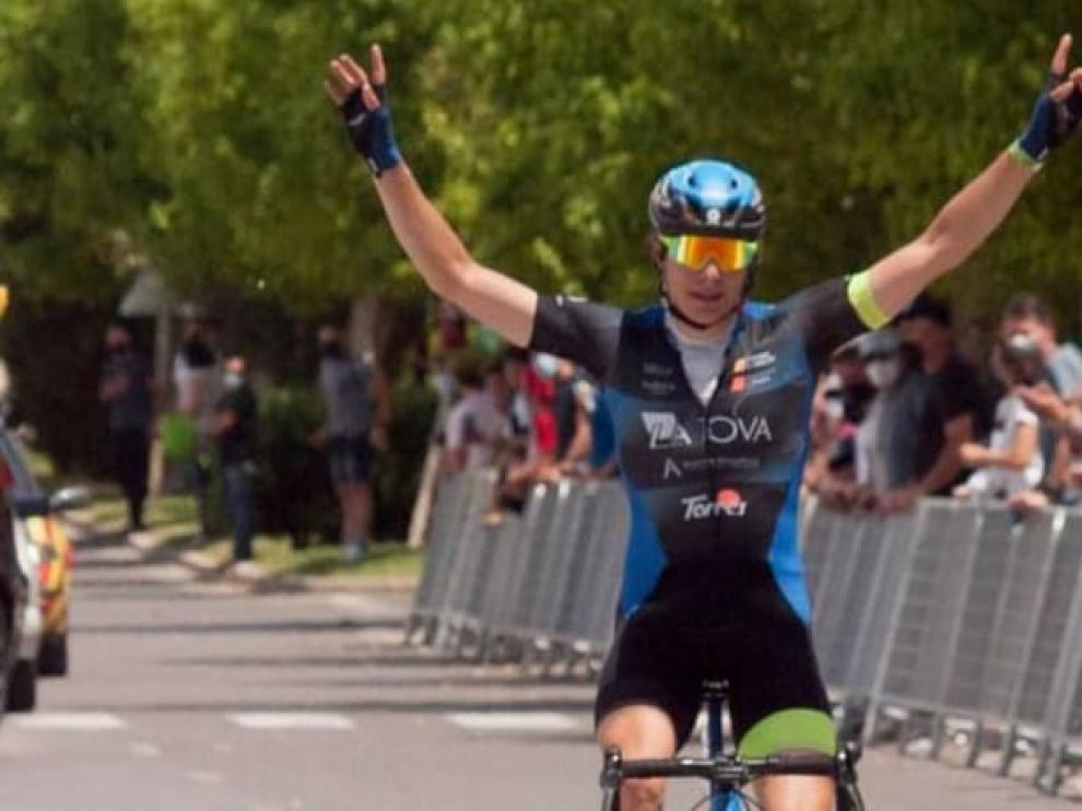 Toby Perry, victorioso en la meta castellonense, está completando una gran temporada.