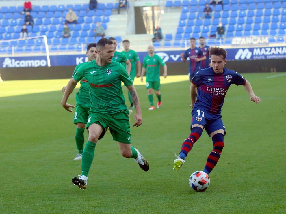 Imagen del Huesca B-Cuarte que se disputó hace dos semanas en El Alcoraz.