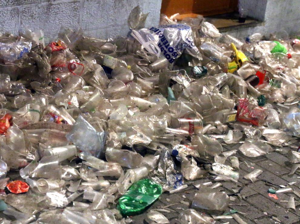 Se reducirán los recipientes alimentarios y los vasos de plástico de un solo uso hasta un 70 % en 2030