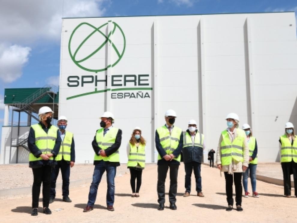 Visita de las autoridades a la nueva planta de Sphere España.