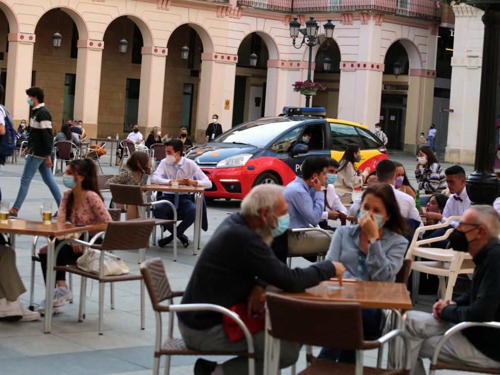 foto pablo seguraterrazas mercado control policia foto pablo segura 18- 5 - 21
