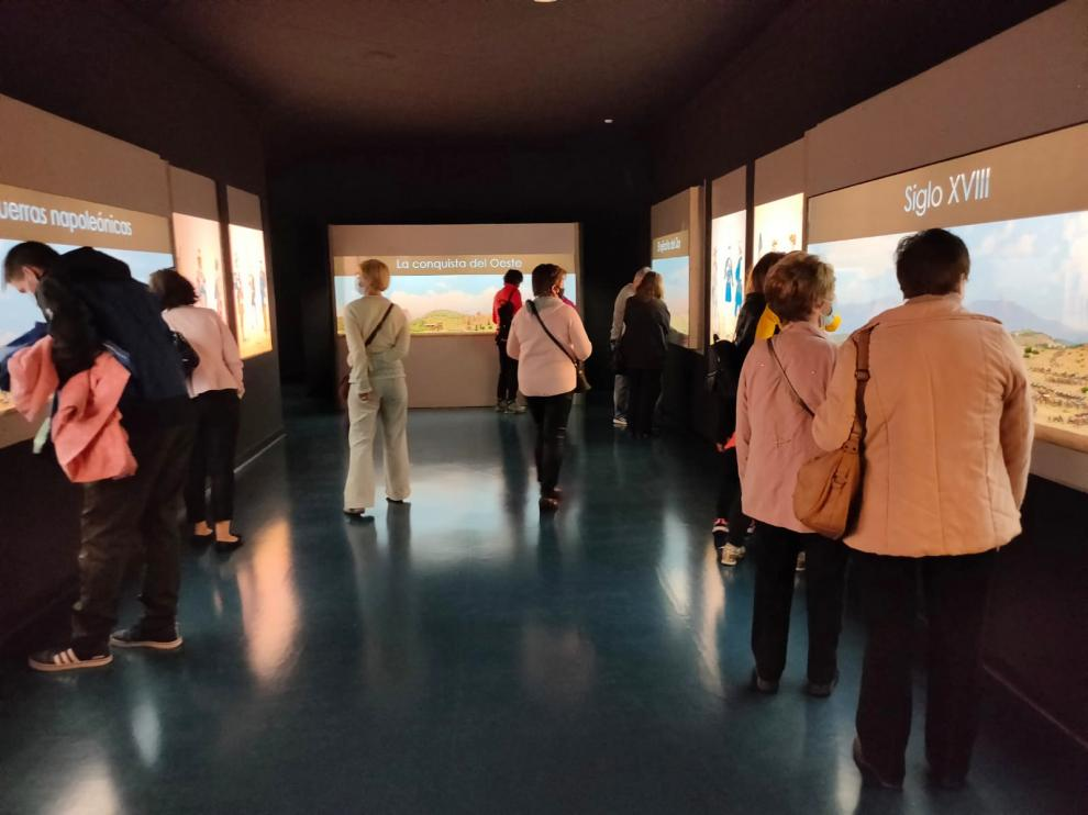 Visitantes en el Museo de Miniaturas Militares de la Ciudadela de Jaca, durante el Día Internacional de los Museos.