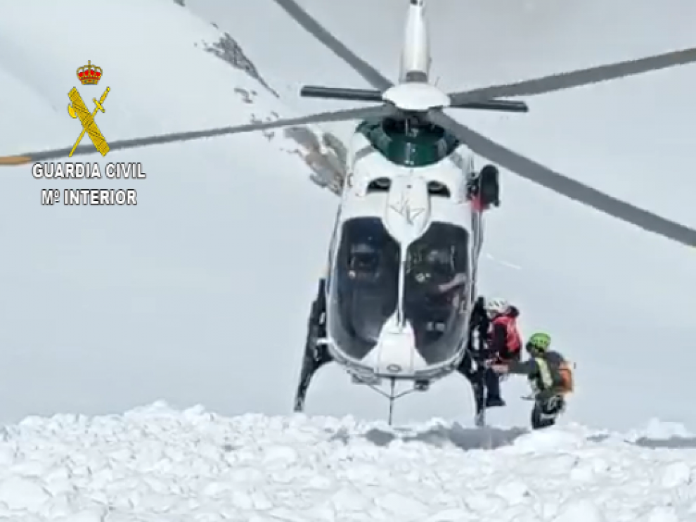 La aeronave realizó una complicada maniobra de rescate