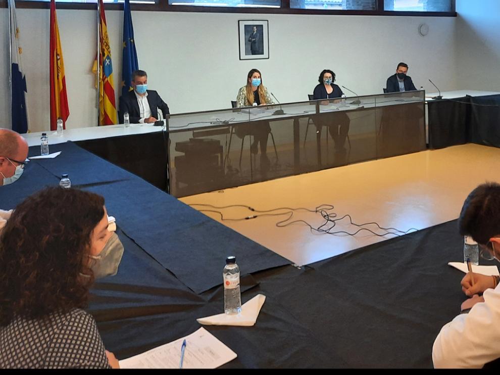 Pleno en el que se decidió la próxima reunión de la mesa participativa para el análisis del agua.
