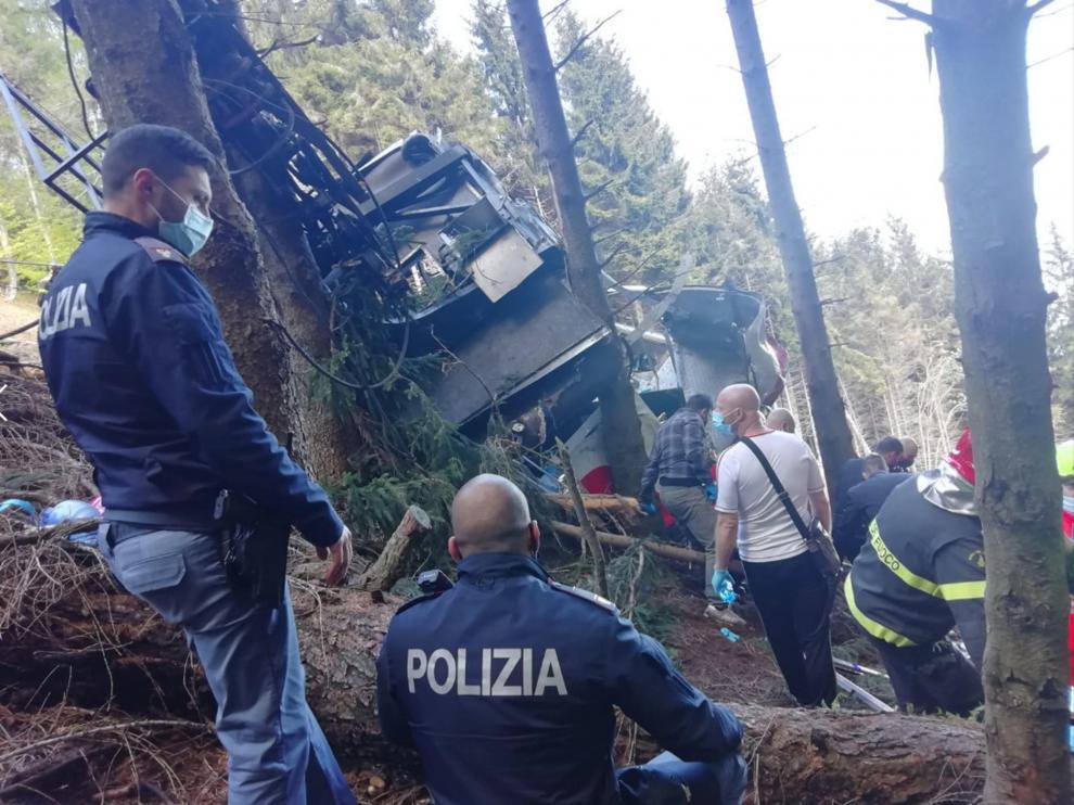 Equipos de rescate en el lugar del accidente