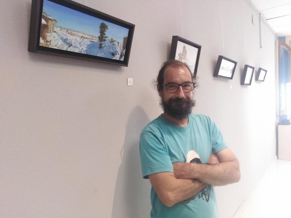 Iván Pagnussatt en la sala de Almudévar.