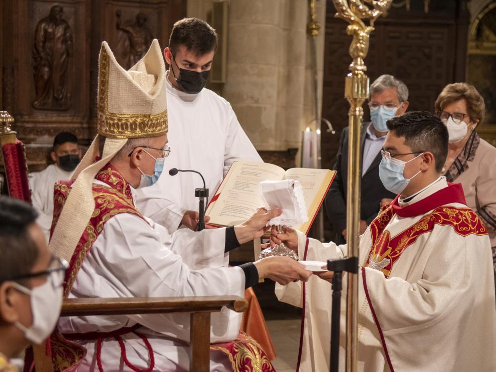 Kevin de Jesús Urbina durante su ordenación