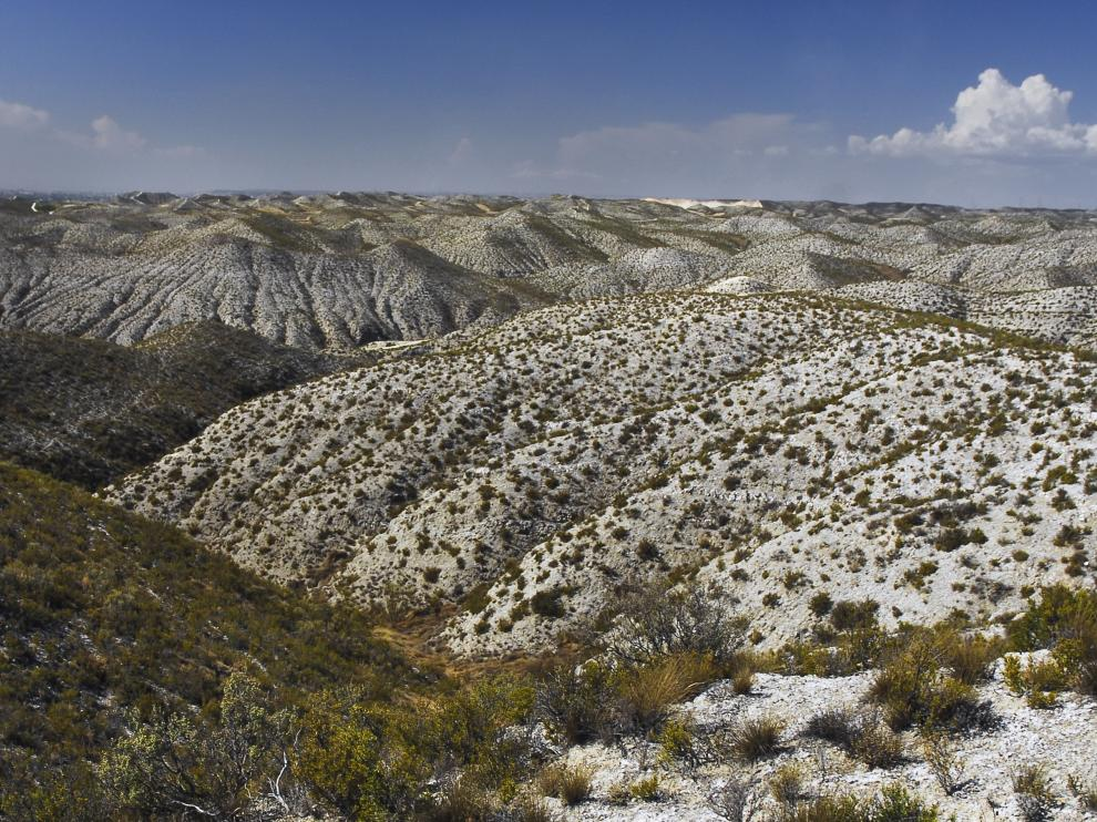 Montes de yesos en el Saso de Osera.