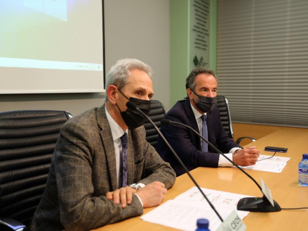 Salvador Cored y Luis Cánovas durante la presentación del ïndice de Confianza Empresarial de la provincia.