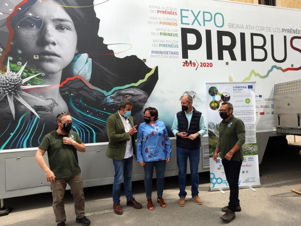 Imagen de la presentación del Piribus, instalado en la plaza de Navarra