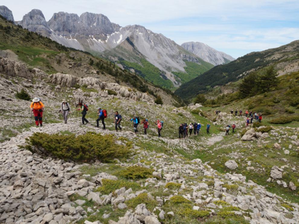 Un momento de la ruta por la parte occidental del Pirineo oscense.