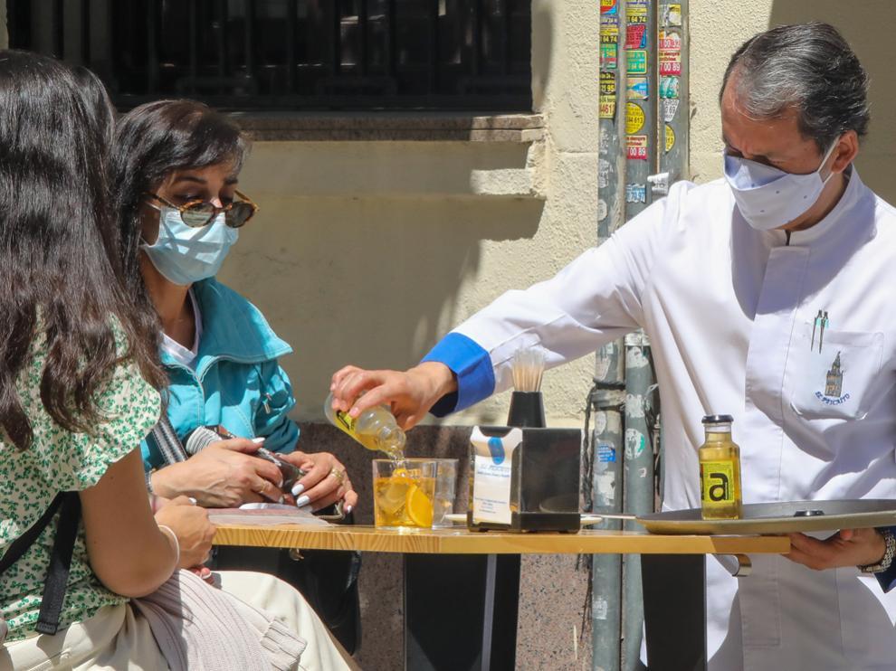 El Tribunal Superior de Justicia ha confirmado la suspensión de la hora límite para el cierre a la una de la mañana en la hostelería de Cantabria