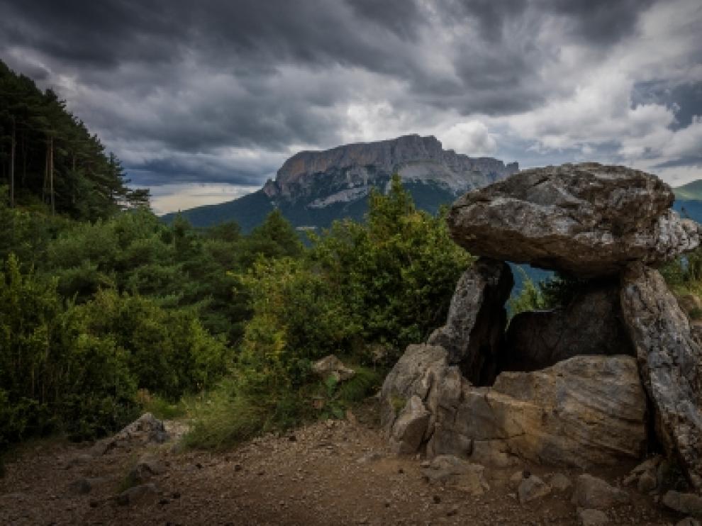 Dolmen de Tella, foto de Alberto Cortés