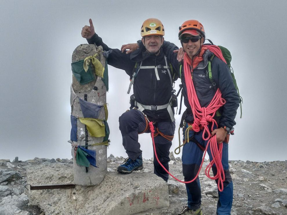 El grausino Jordi Pola, a la derecha, se plantea que hay que diversificar más allá del turismo.