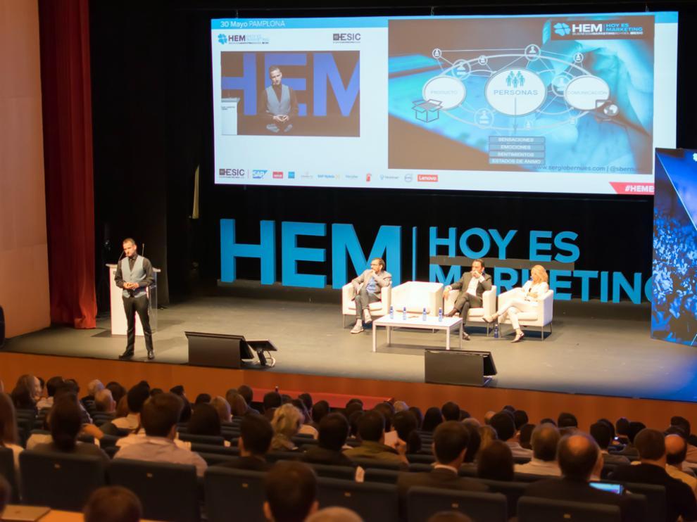 Conferencia de Sergio Bernués en Hoy es Marketing en Pamplona.