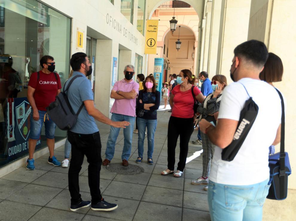 """Cuatro grupos disfrutaron este sábado de la visita 'Pioneros oscenses"""""""