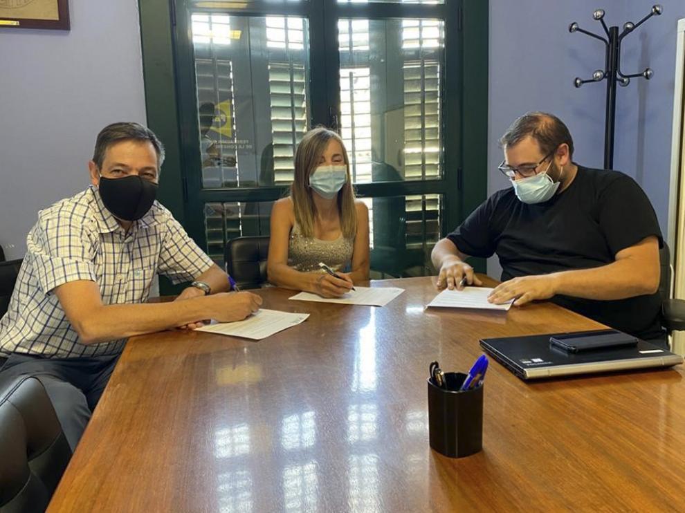 Rogelio López Marqués (secretario general de la Federación del Metal), Manuela Pastor (Construcción) y César Ordás.