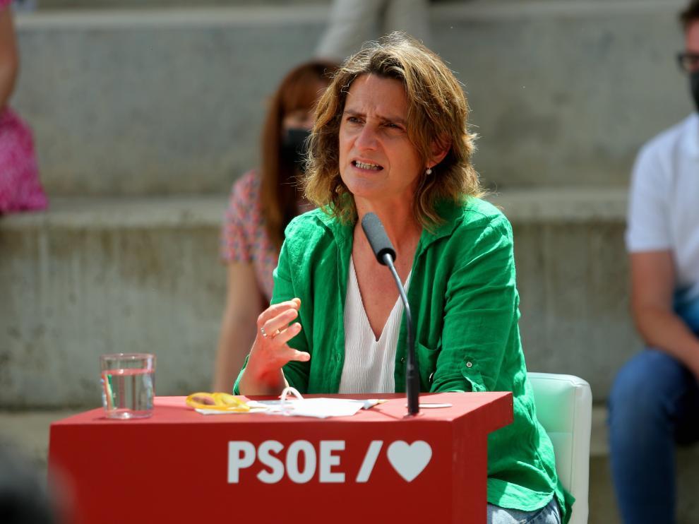 Presentación de la ponencia sobre despoblación del PSOE, este domingo en Huesca.